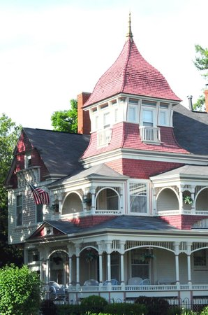 The Grand Victorian B&B: front exterior
