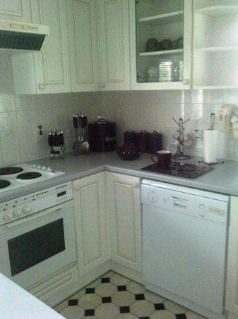 Rosecraddoc Manor: Kitchen