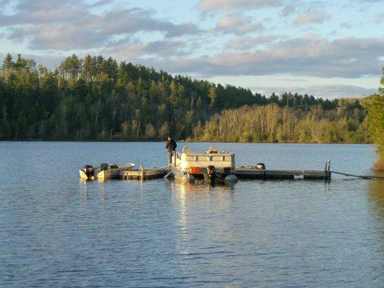Loon Lake Lodge: Fishing from dock