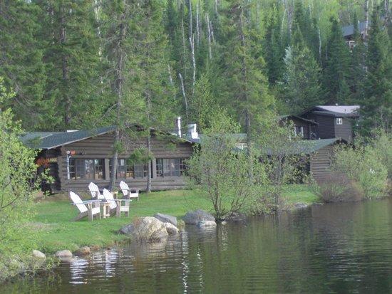 Loon Lake Lodge: view of lodge