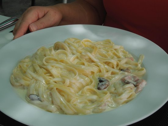 Opíparo : This carbonara had no flavour and needed plenty of salt...