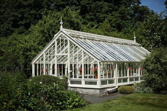 Malleny Garden: Victorian greenhouse