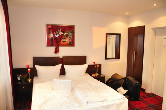 Loccumer Hof Hotel, Hannover Bedroom - Picture of Hotel Loccumer ...