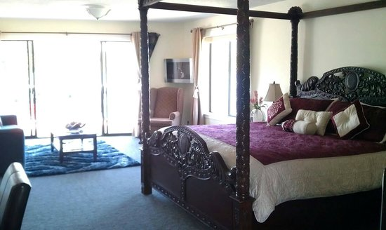 Bayshore Waterfront Inn : the Honeymoon Suite