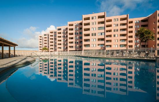 Jetty East Condominiums: The classic beauty of Jetty East reflects in the pool.
