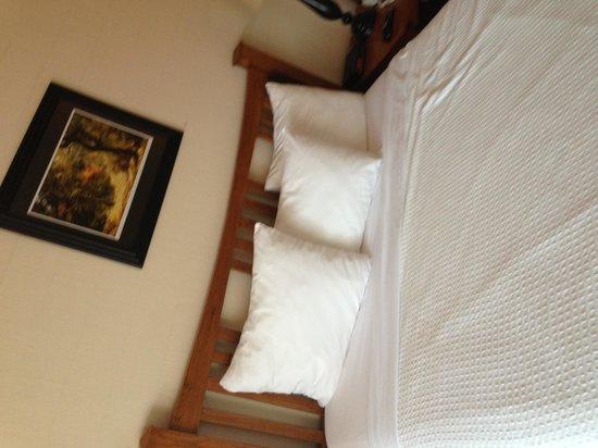 Wyndham Garden Ventura Pierpont Inn : New beds