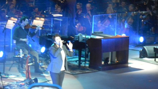 Cliff House Lodge and Hot Tub Cottages : Josh Groban in Concert