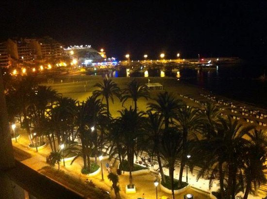 Port Mar Blau : the harbour from our room at night