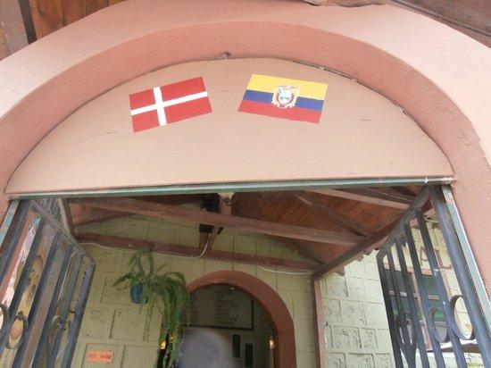 Cafe Ali Cumba : The entrance.