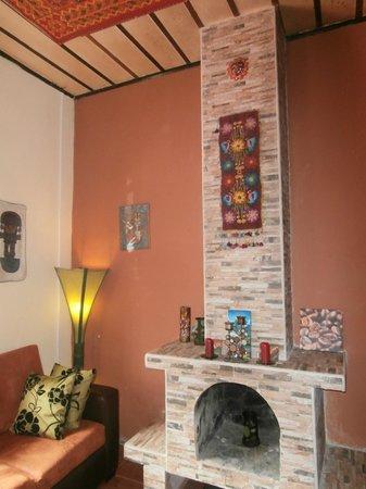Cafe Ali Cumba : A cozy place, with a nice fireplace