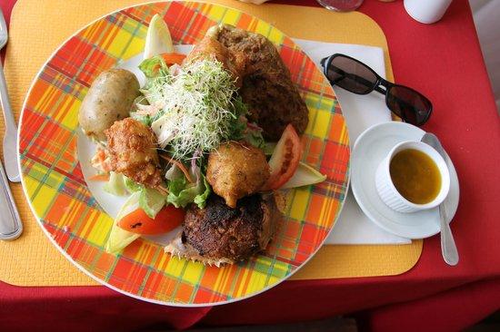 La Petite Auberge Des Isles: Assiette créole