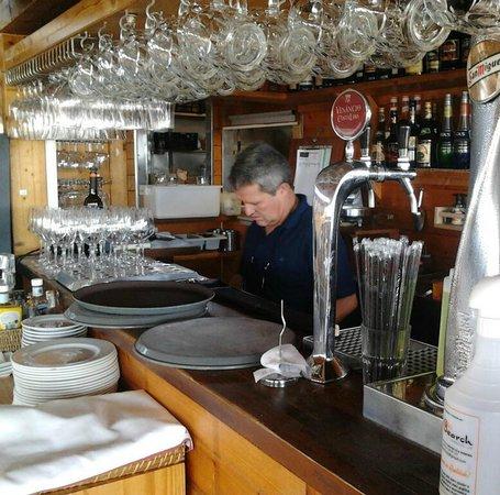 Linda The Beach Bar : Mein hoste