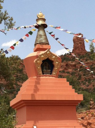 Casa Sedona Inn: Amitabha Stupa--walking distance from B&B