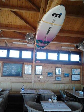 Linda The Beach Bar : interior