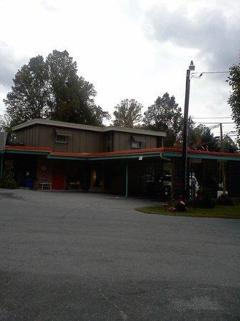 Sunset Motel: Office area