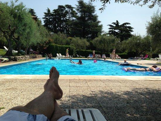 Appartamenti Pratone: Ett fint poolområde