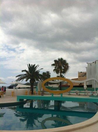 Santos Ibiza Suites: Piscina