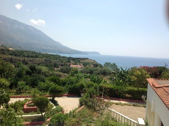 Karavados Beach Hotel: widok z balkonu