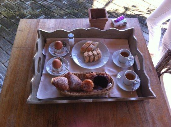Petra Segreta Luxury Resort & Spa : Zimmer-Frühstück nach Petra Segreta