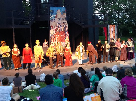 Shakespeare in Delaware Park : The House, Hamlet 2013