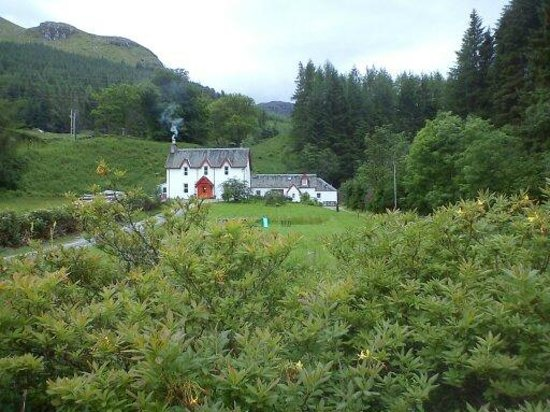 Inverardran Guest House: View from the road