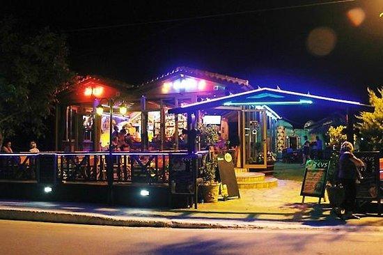 Zeus Bar
