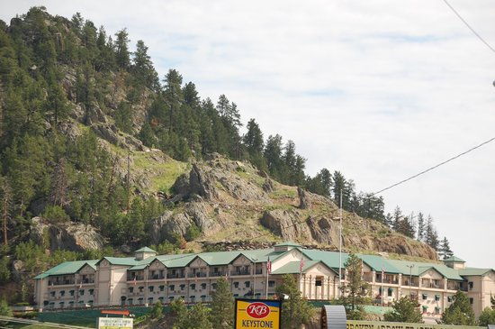 Mt. Rushmore's President View Resort: hotel from road