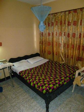 Hotel Embassy: Room