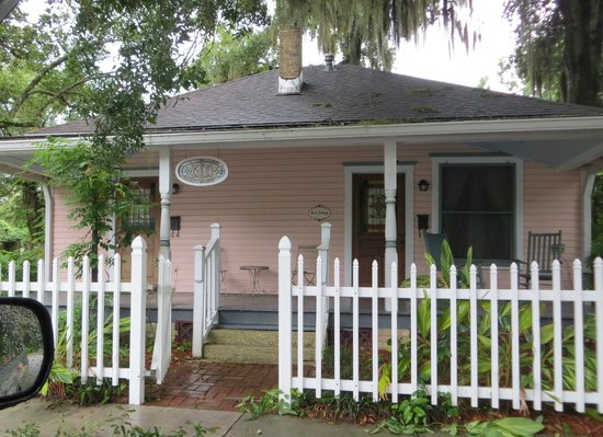 Sweetwater Branch Inn: Maes Cottage