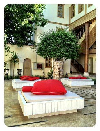 Puding Marina Residence: Poolområde