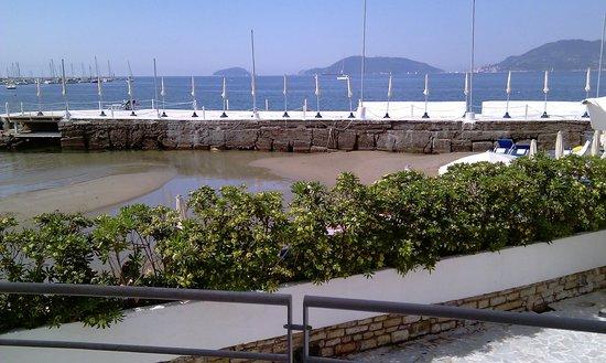 Piccolo Hotel del Lido: Blick vom Zimmerbalkon auf die Bucht
