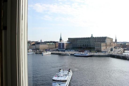 โรงแรมแกรนด์: Blick aus dem Zimmer nach vorne