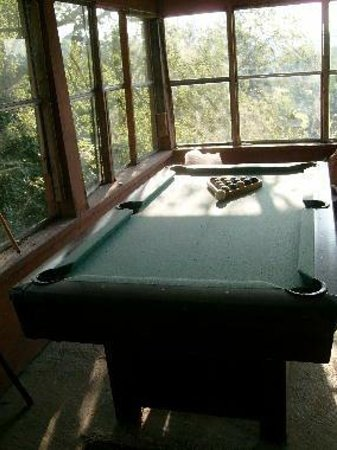 Bessemer Hostel: South porch with pool table (free games)