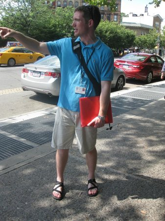 Ray's Food and Walking Tours: Ray, telling us about Greenwich Village