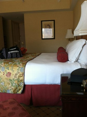 Boston Harbor Hotel: King room