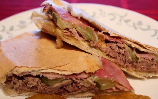 El Ambia Cubano: Best Cuban sandwich .....perfect,