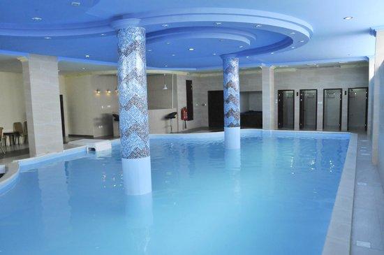 Rehab Hotel Apartments: Swimming pool