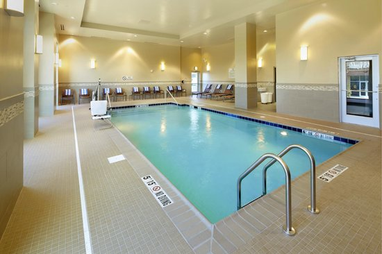 Homewood Suites by Hilton Springfield: Indoor Pool