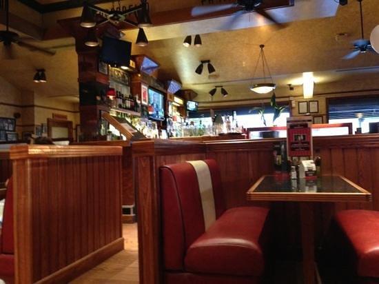 Frankie & Benny's New York Italian Restaurant & Bar - Salford: Normal F&B decor