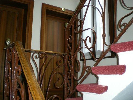 Tivoli Hotel : Stairs