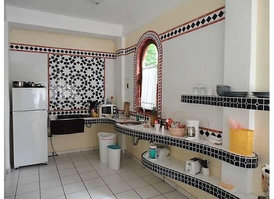 Posada Colonial: Kitchen (facing fridge)