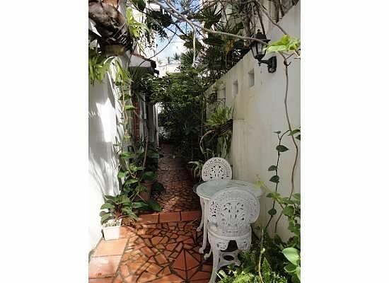 Posada Colonial: Patio area (right outside front door)