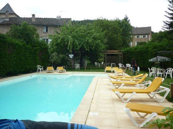 Logis Hotel Family : piscine