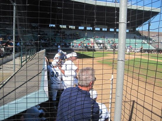 ‪Duluth Huskies at Wade Stadium‬