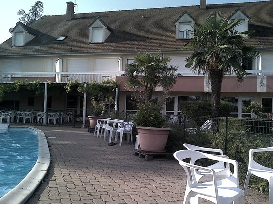 Hotel Le Relais du Montagny : jardin+piscine