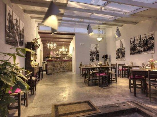 21 Restaurante: Salón interior