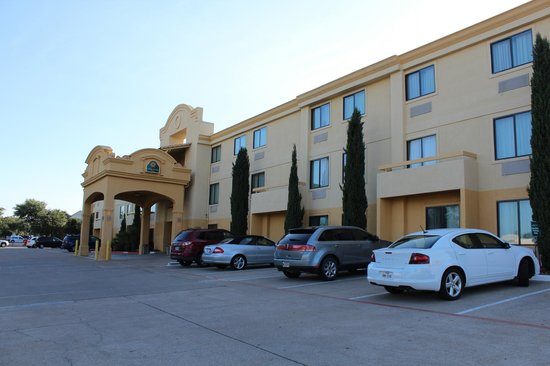 Comfort Inn North Dallas Near The Galleria: Buona struttura