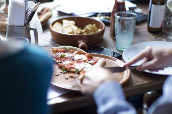 The White Hart : Wood fired oven for pizzas, & wood roasted meat & fish