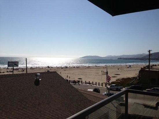 Beach House Inn and Suites: view from patio/balcony
