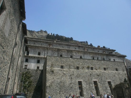 Fenestrelle, Italie: prigioni e pronto soccorso